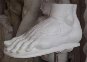 Piede sinistro Ercole Farnese
