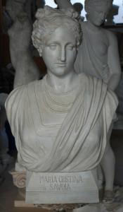 Busto in gesso di Maria Cristina di Savoia.