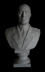 LB 153 Benito Mussolini