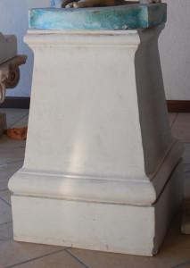 LV 101 Plinto quadrato per statue